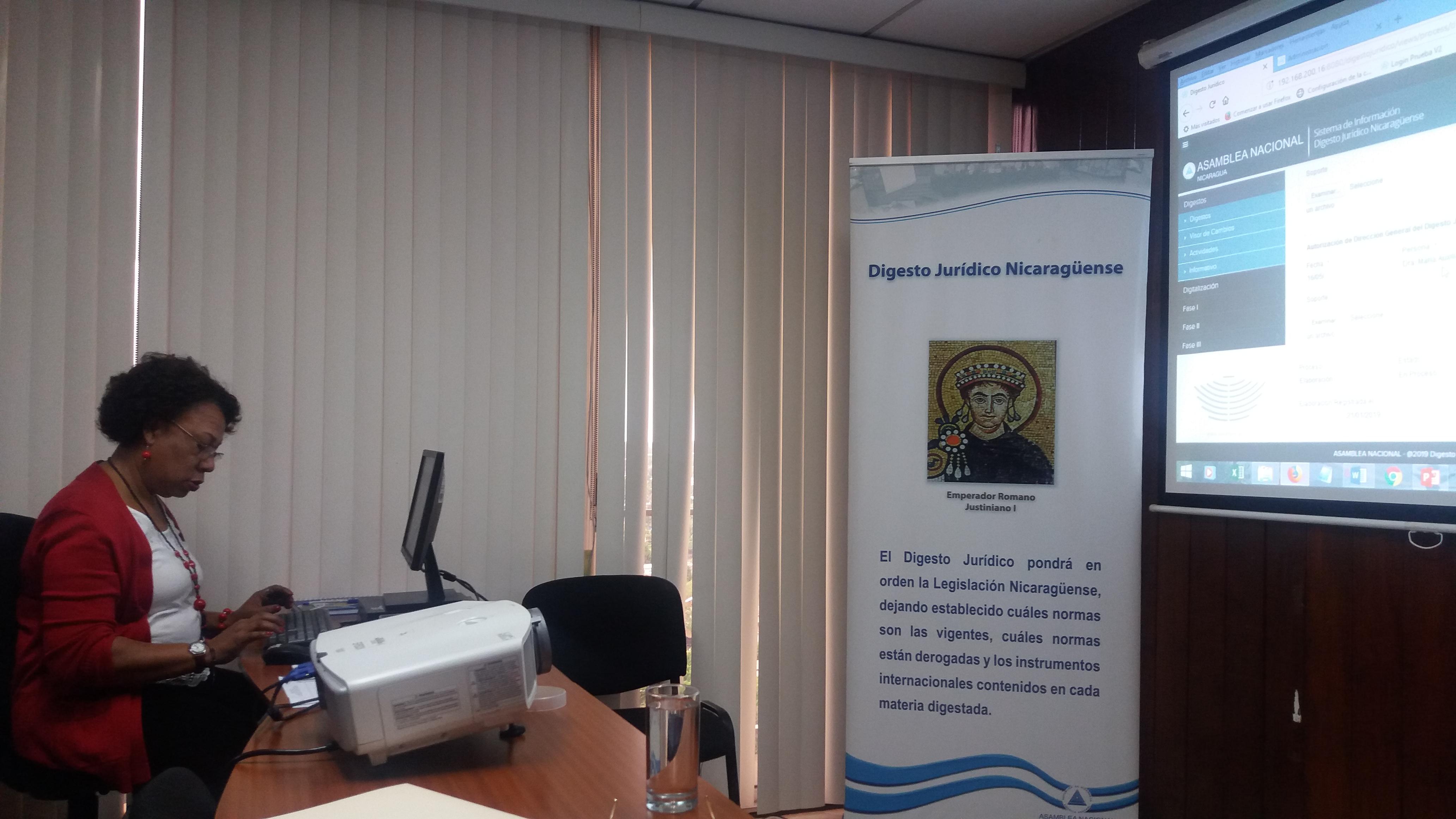 Diputada Florence Levy, aperturando el Digesto Jurídico de las materias Autonomía Regional y de Pueblos Originarios.
