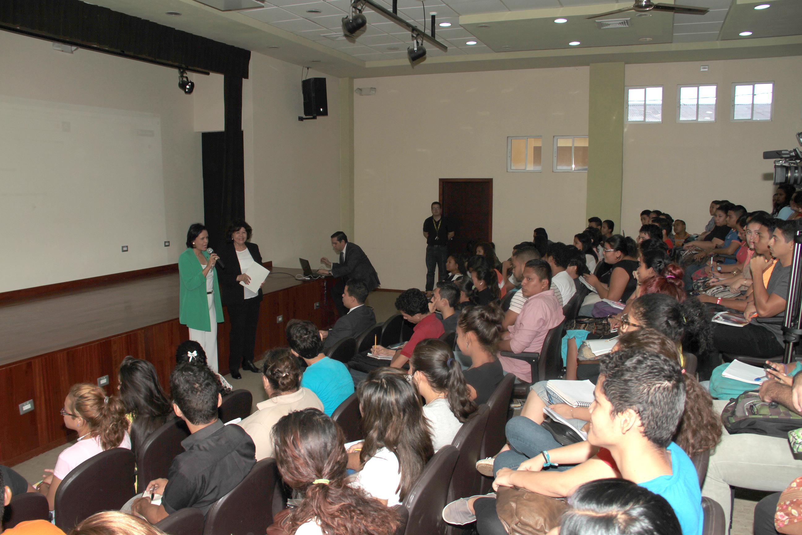 Presentación del Digesto Jurídico Nicaragüense en la Universidad de Managua (UDM)